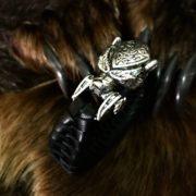 Плетёные в ручную браслеты из кожы. Серебро. Цена 7000 рублей. Интернет магазин Логово волка. Отзывы.