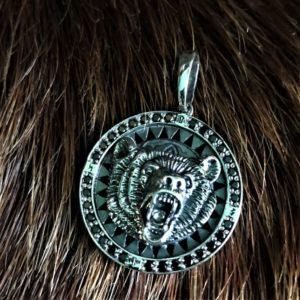 амулет голова медведя перья и копыто серебро