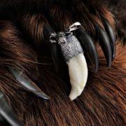 Волчий клык. Серебряное навершие. Логово волка.